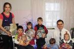 Рождественские подарки для детей из неверующих семей (07.01.2014)